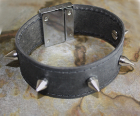 LYY-LUCKYNELLY - Armband mit Stacheln